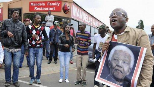 Statement by Minister Nkoana-Mashabane, pays tribute to former President Nelson Mandela (06/12/2013)