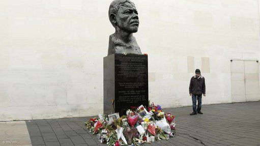 Freedom Front plus pays tribute to Nelson Mandela (09/12/2013)