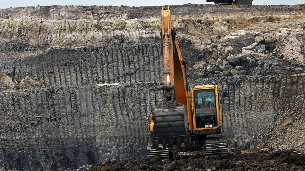 FIELD TESTING Field tests on Engen's Hydrokin ESF were conducted in Europe using a medium-sized excavator, skid steer loader and compact excavator