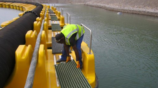 Company launches new abrasion-resistant hoses and matching pontoons