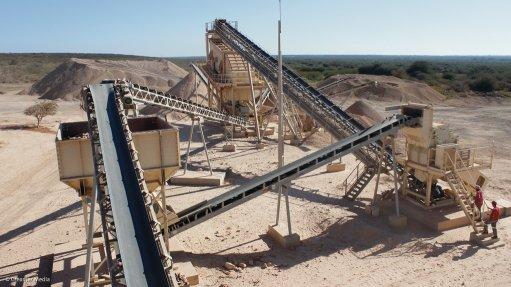 CRUSHING AND SCREENING Metso Minerals manufactured a 300 t/h crushing and screening plant to Mozambique-based construction company JRC Construction (JRC – Construções e obras púiblicas, SA) last year