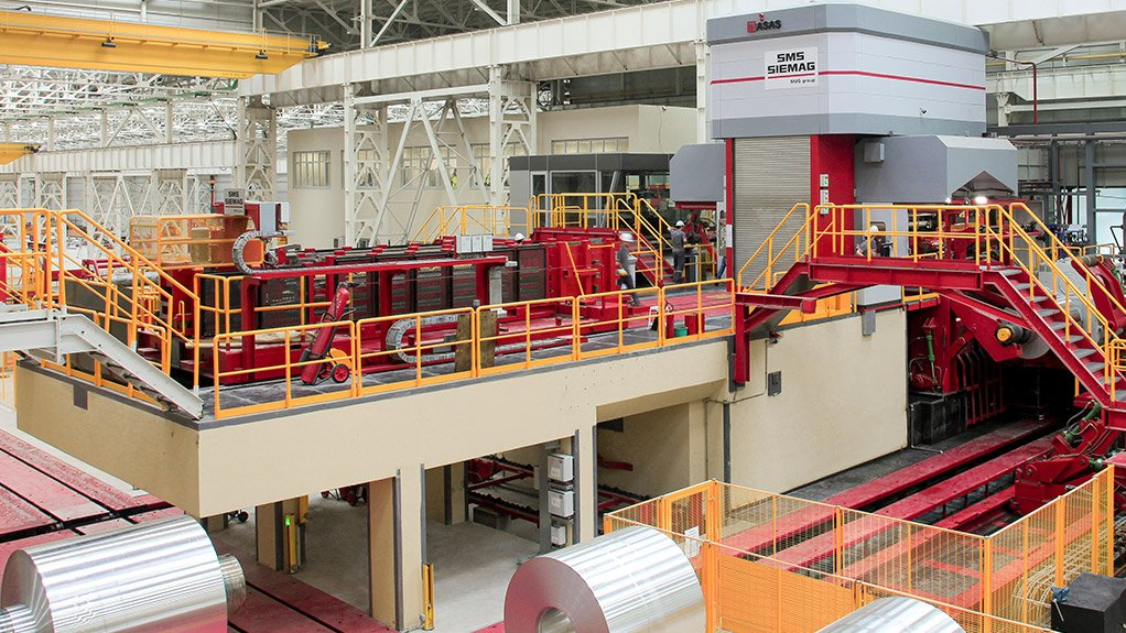 COMPLETE SOLUTION The cold rolling mill comprises a six-high mill stand, three shearing lines and a strip-coating line designed for 50 000 t/y