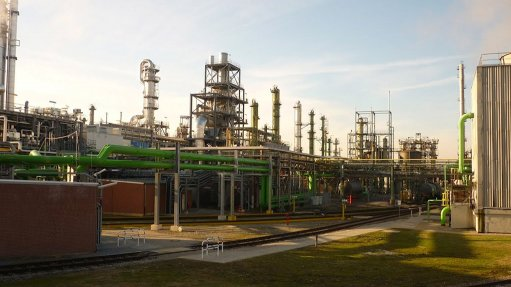 SASOL SOLVENTS GERMANY The 76% decrease in operating profit of Sasol's solvents unit was as a result of the negative impact of the sale of its Solvents Germany operations