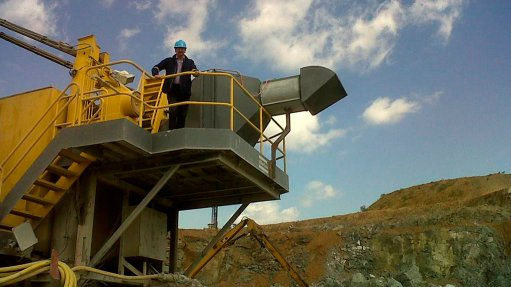 Spin-filter technology  reduces dust at platinum mine