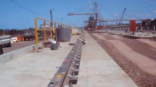 Crane rail fastening system reduces wear and tear