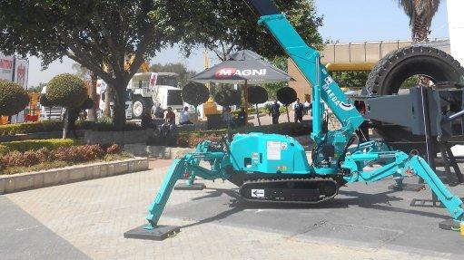 Company launches mini cranes in SA