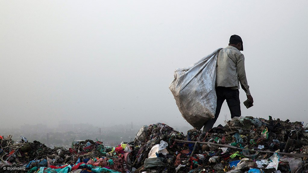 INFORMAL EMPLOYMENT The value of recyclables alone should drive a more aggressive recovery of resources in waste in South Africa, and can provide better and sustainable employment for informal waste pickers