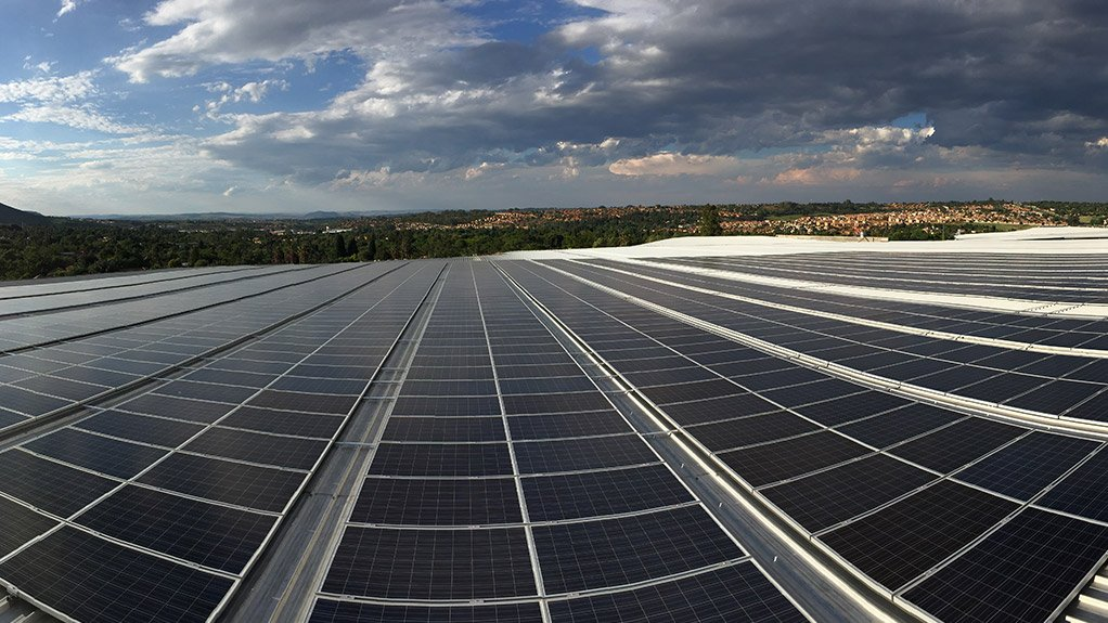 SUSTAINABLE SUPPLY The facility comprises 2 000 solar panels covering a surface area of 4 000 m2 and produces approximately 843 MWh/y