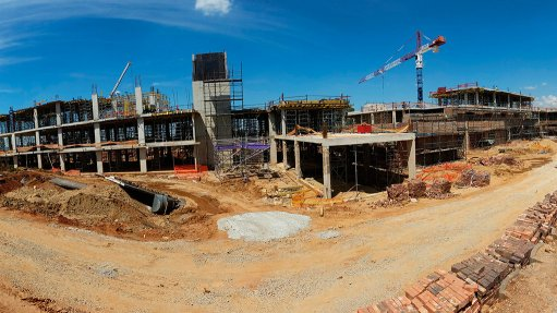 NETCARE PINEHAVEN HOSPITAL Construction of the 100-bed hospital started in August 2014