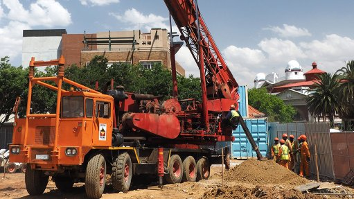 A NEWTOWN FOUNDATION Gauteng Piling has provided 64 piles with an average depth of 10 m for the new seven-storey City Lodge hotel in Newtown Junction NEWTOWN CITY LODGE Gauteng Piling has provided 64 piles with an average depth of 10 m for the new seven-storey City Lodge hotel in Newtown Junction