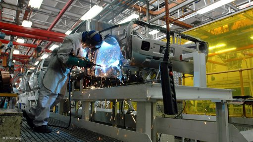 Growth unlikely for South Africa's auto industry in 2015