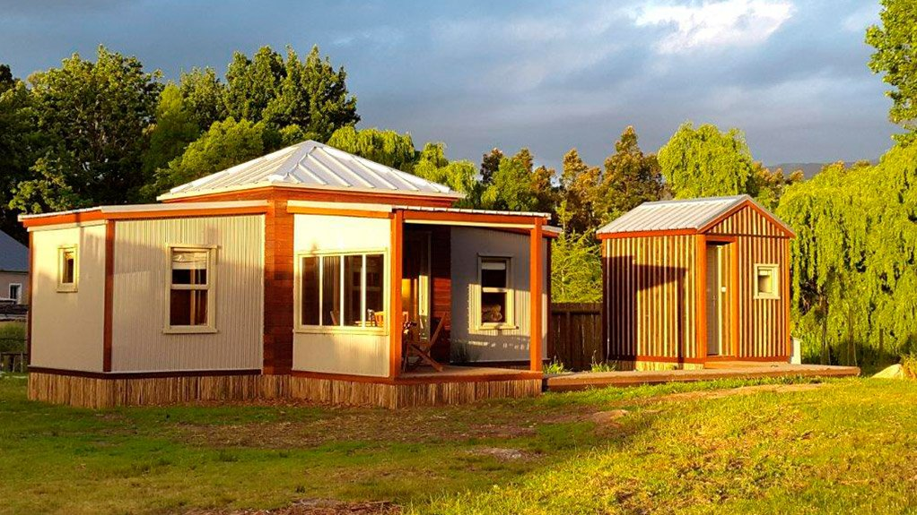 MODULAR DESIGN The small cabin is premade in Rustic Homes's factory in Elgin, about 70 km south-east of Cape Town