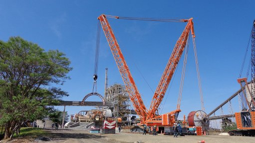Crane specialist completes Zim project, invests R600m in fleet revamp