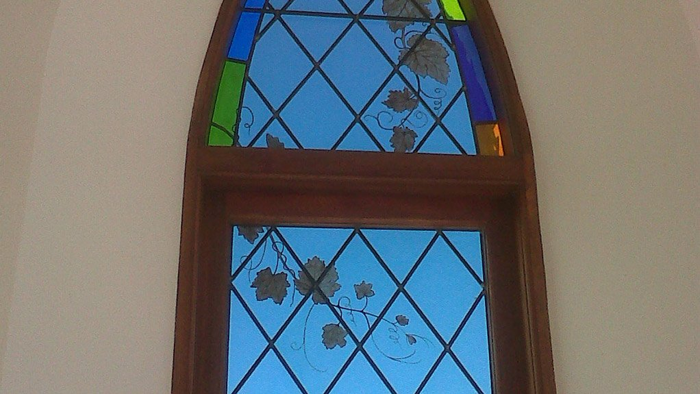 SUITABLE FOR MODERN TIMES The stained glass market in South Africa is characterised by a realisation that stained glass can feature in traditional designs and in modern designs