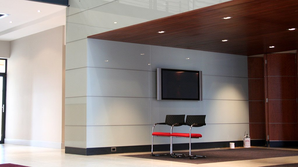 GLASS APPLICATION Cohesion Interiors specialises in glass splashbacks and wall cladding for residential and commercial applications