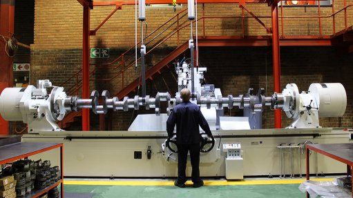 MACHINERY INVESTMENT The Berco 575 crankshaft grinder is capable of grinding crankshafts with a length of up to 4.8 m and a weight of up to 5 t