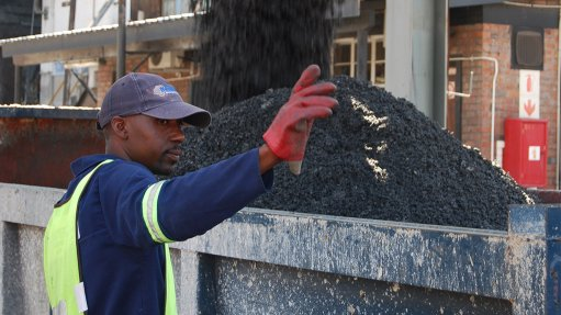 VIABLE TECHNOLOGY The refuse-derived fuels facility shreds general industrial and municipal waste to particle sizes of less than 20 mm to be used as an alternative energy source