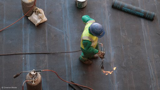 Only 25% of large construction projects finish on time, within budget – KPMG