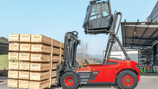 Elevated cabin provides  optimised visibility when  handling bulky loads