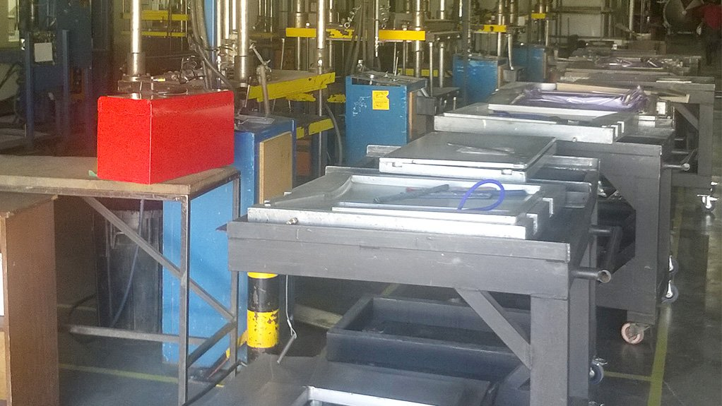 HIGH VOLUME AAT Composites uses press claves and autoclaves to manufacture sophisticated composite parts, with a moulding capacity of more than 10 000 items a month