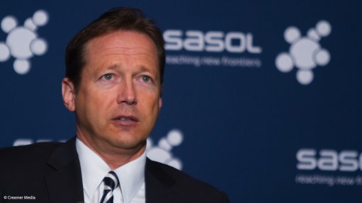 Sasol sees low oil prices persisting to 2017, but expects strong upswing by decade's end