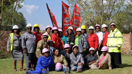 Women in construction taught basics of cement