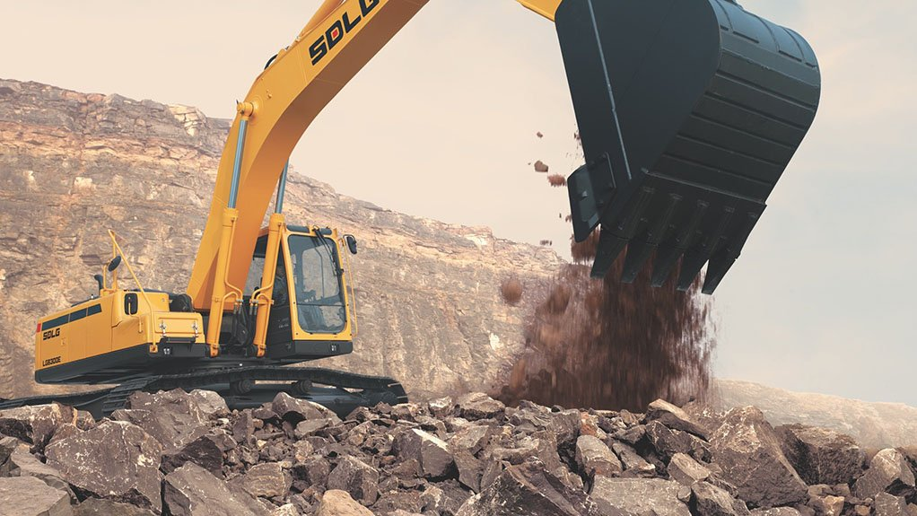 HEAVY DUTY The LG6300E SDLG has a 30 t rating