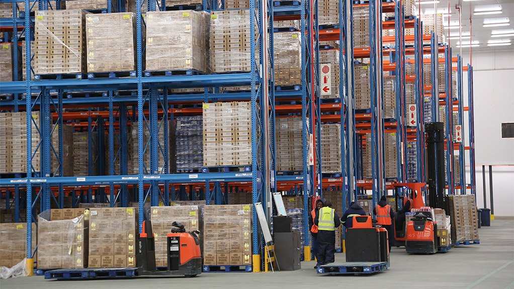 LOGISTICS EFFICIENCY The operational capacity of the warehouse comprises 5 000 pallet spaces in the chilled section and 7 000 pallet spaces in the ambient section