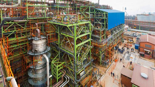 MILESTONE PHASE Phase 1 of the Fischer-Tropsch wax expansion project saw 7 200 t of steel erected and nearly 600 km of piping used