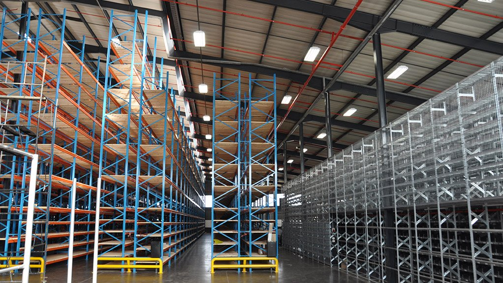 STORAGE SYSTEMS The Renault SA project used 40 t of light-duty racking and a catwalk system, and 80 t of heavy-duty, high-rise racking