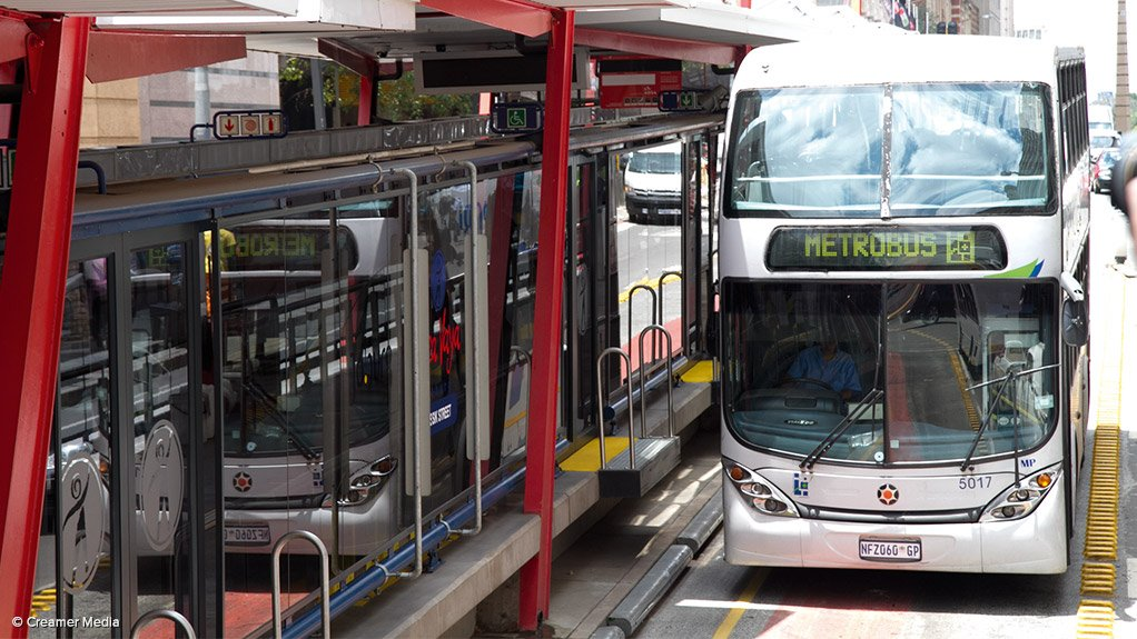 PROGRESSING THE SYSTEM The City of Johannesburg aims to progress an integrated public transport system by extending the Rea Vaya and Metrobus services