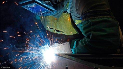 October manufacturing output narrows 2.1% y/y