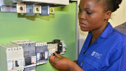 ELECTRICAL TRAINING Level 3 electrical infrastructure learner at Tshwane North TVET College demonstrates the WEG MPW 25 motor protective circuit breaker