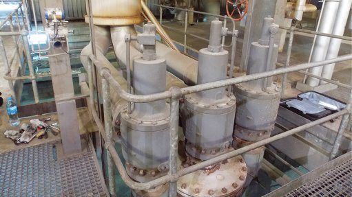EASE OF OPERATION Mining clients can test valves while their plants remain in operation, preventing the loss of output