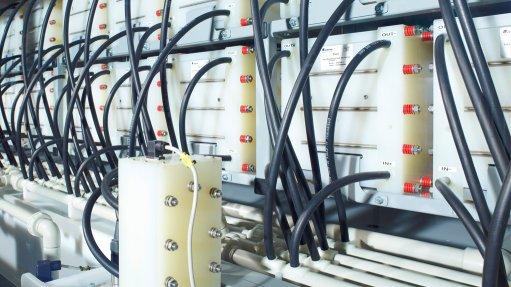 Engineering News - N America's infant vanadium-redox flow battery
