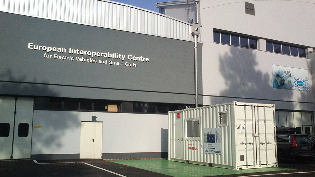 Ingeteam installs a mobile energy storage lab for the European Commission
