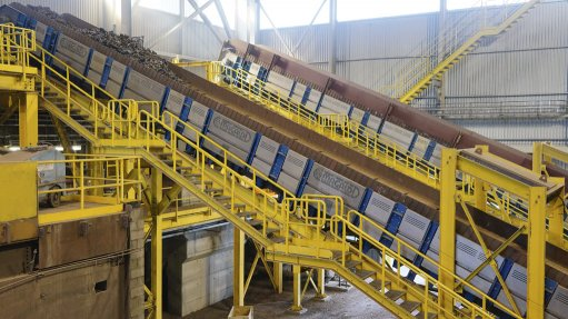 Conveyor engineered  to withstand high  temperatures