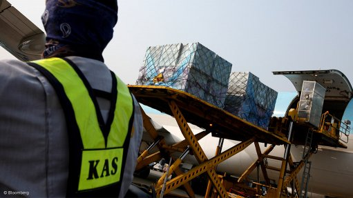 March air freight volumes drop by 2%