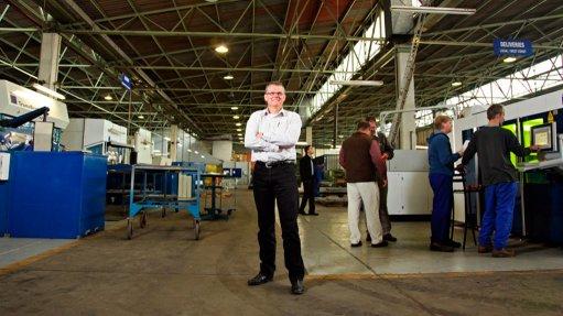 Metals fabricator hosts  industry stakeholders