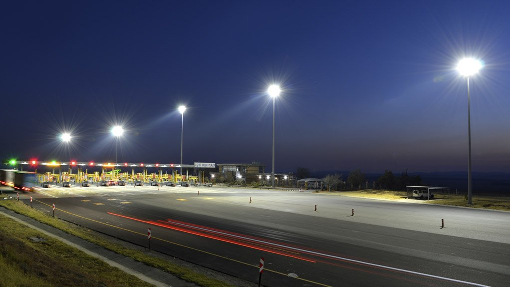 DE HOEK PLAZA BEKA Schréder's LEDlume-midi streetlight luminaires and its OMNIstar floodlights were used for the N3 Toll Plaza projects