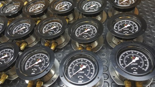 Analogue gauges outweigh benefits of electronic  instrumentation
