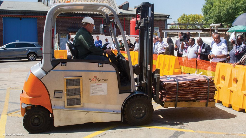 Implats invests in fuel cells to power refinery