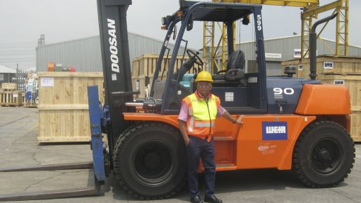 Lift trucks and  support services boost  warehouse efficiency