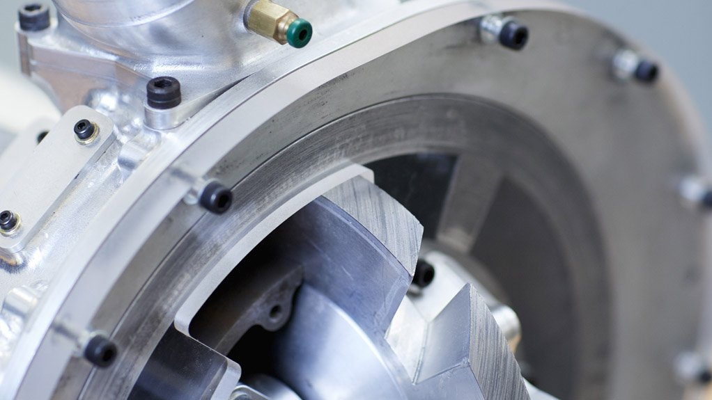 BLADE COMPRESSOR Features a rotating piston blade inside a circular chamber that simultaneously compresses air and induces new air into the chamber in one continuous movement