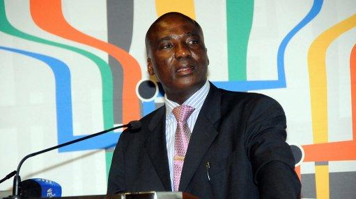 Minibus taxi operators exploited, says Transport Minister