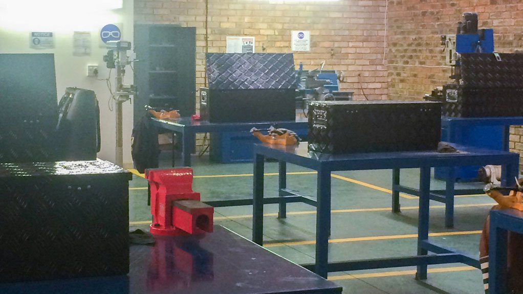 KLINGER TRAINING ACADEMY The trainees have access to a fully equipped workshop, and gain both practical and theoretical knowledge