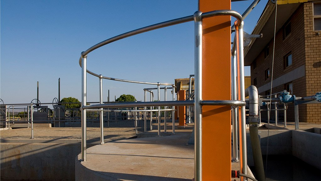 Mentis Stainless Steel Offers Structural Intregrity With Clean Lines
