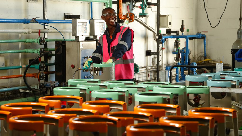 MULTiFACETED OPERATION A-Gas offers a range of products to assist across a broad range of sectors, including shipping, refrigeration, air conditioning, automotive and mining