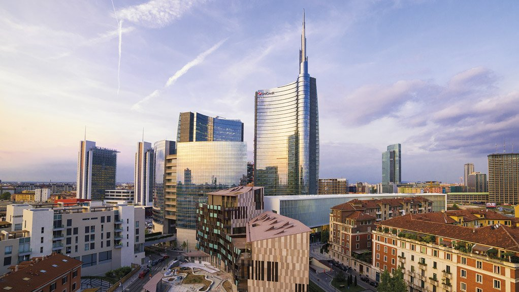 FAR-REACHING NETWORK Headquartered in Milan, UniCredit has a unique Pan-European network that provides expertise to 25-million clients globally