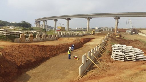 MAMMOTH TASK Careful project management ensured that each of the nine mechanically stabilised earth walls was constructed and delivered to site as it was needed
